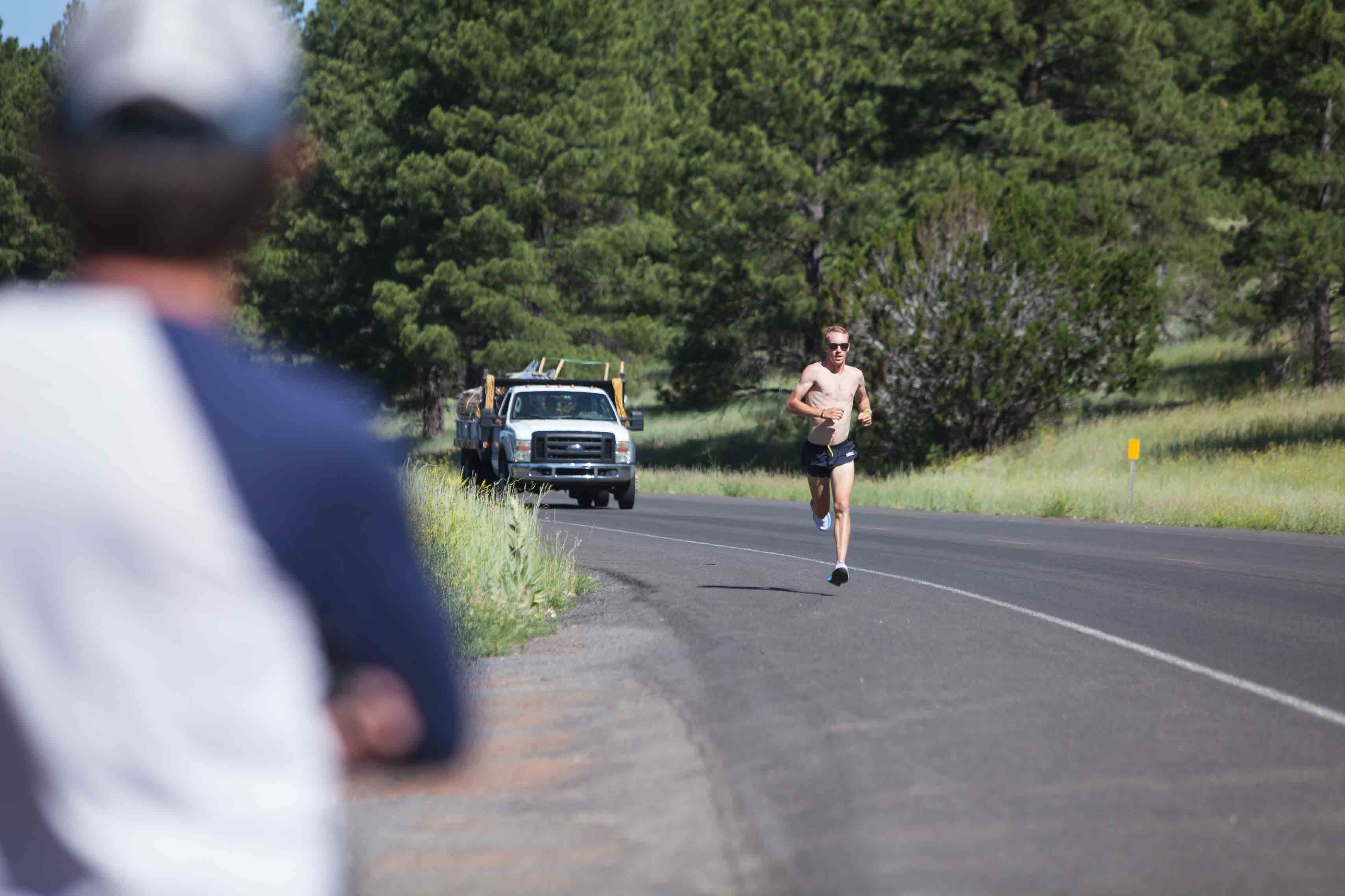 Work out with the Pros: Osslerian Fartleks with HOKA NAZ Elite's Scott Fauble